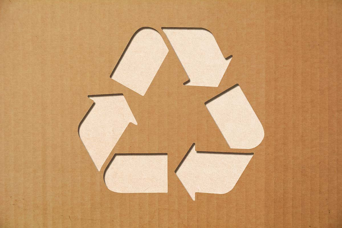 Corrugated with recycling symbol_web.jpg